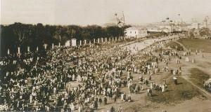 Крестный ход с чудотворной Тихвинской иконой Пресвятой Богородицы, Ростов-Великий, фото начала 20 века