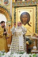 Божественная Литургия в восстановленном Свято-Успенском соборе