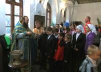 Отец Димитрий и ученики школы преп Авраамия Ростовского 2013 г